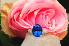 Bague tanzanite et diamants poires, or blanc 18K