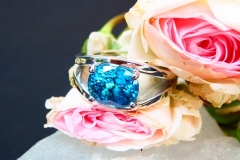 Bague Zircon bleu 7.28ct, or blanc 18K