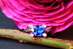 Bague Tanzanite et diamants, or blanc 18K