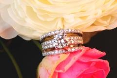 Bague diamant brillants et lignes de diamants, or blanc 18K