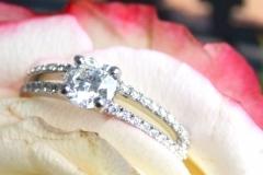 Bague de fiançailles multidiamants, en or blanc 18K
