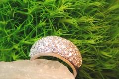 Bague pavée de diamants, or blanc 18K