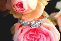 Bague diamant ovale, en or blanc 18K