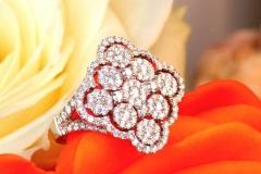 Bague multidiamants forme losange, or blanc 18K