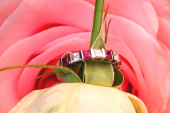 Alliance diamants et rubis, or blanc 18K