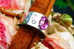 Bague saphir rose 2.11ct et diamants, or blanc 18K