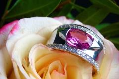 Bague saphir rose 2.97ct et diamants, or blanc 18K