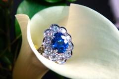 Bague saphir bleu 3.50ct et diamants, or blanc 18K