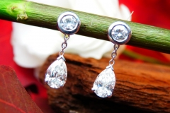 Boucles d'oreilles 1.32ct de diamants, or blanc 18K