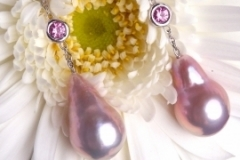 Boucles d'oreilles Perles d'eau douce et saphirs roses