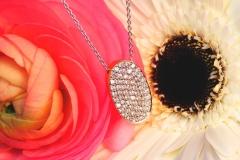 Pendentif pavé de diamants, or blanc et or jaune 18K