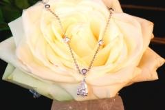 Collier diamant poire et 10 diamants brillants, or blanc 18K